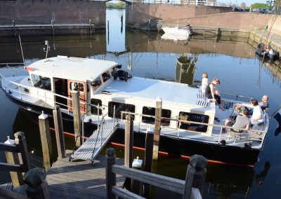 rondvaartboot-heusden-stadshaven-salonboot
