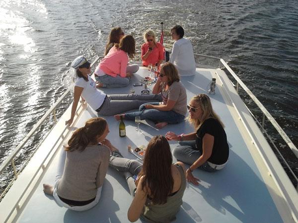 vrijgezellenfeest op het water
