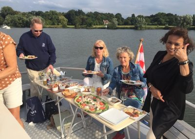 food-friends-cruise-maas