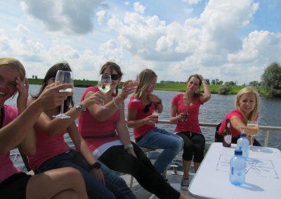 partyboot-vrijgezellenfeest-vrouwen