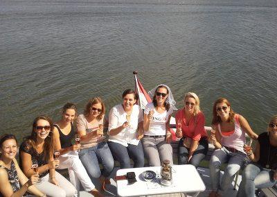 vrijgezellenfeest-feestje-varen-boot
